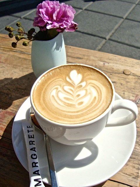 Neue kaffee sterne am bohnenhimmel biss for Kuchen frankfurt