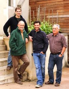 Die Weinmacher & Cousins Jean-Laurent und Jean-Dominique mit Vätern