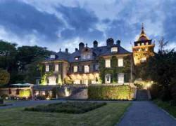 Außenansicht SchlosshotelLerbach-klein