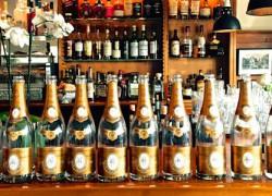 Reihenweise Champagner