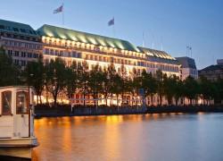 Hotel Fairmont aussen:Nacht