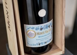 2018 MONTE VACANO RIESLING (1)
